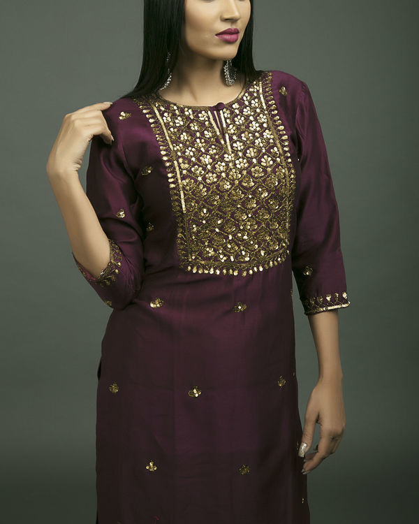 Jahanara embroidered kurta set 3