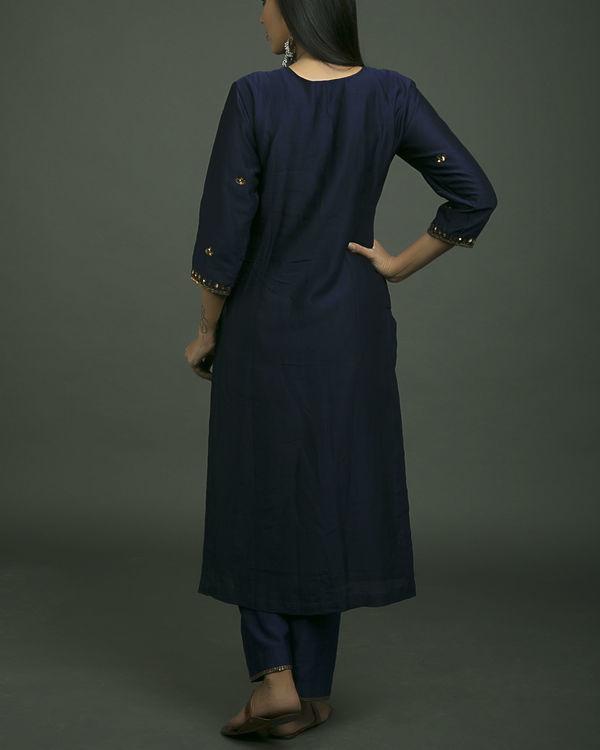 Roshanara embroidered neela kurta set with navy blue dupatta 3