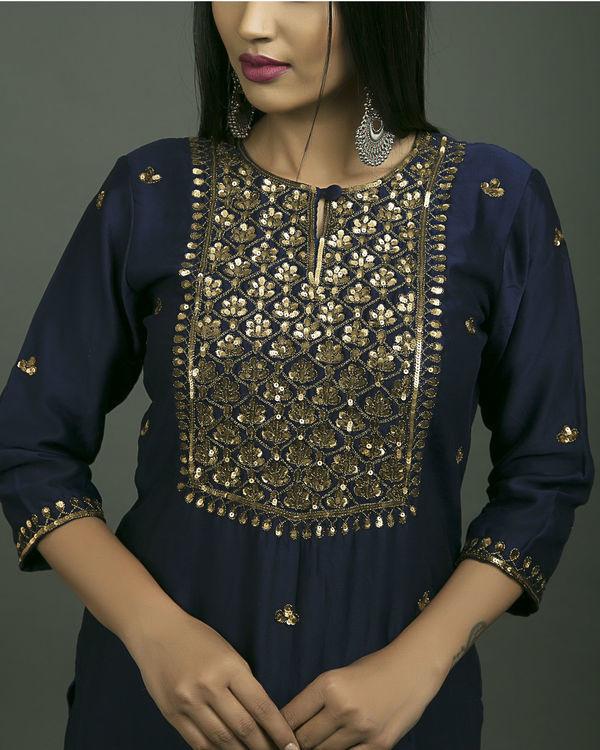 Roshanara embroidered neela kurta set with navy blue dupatta 1