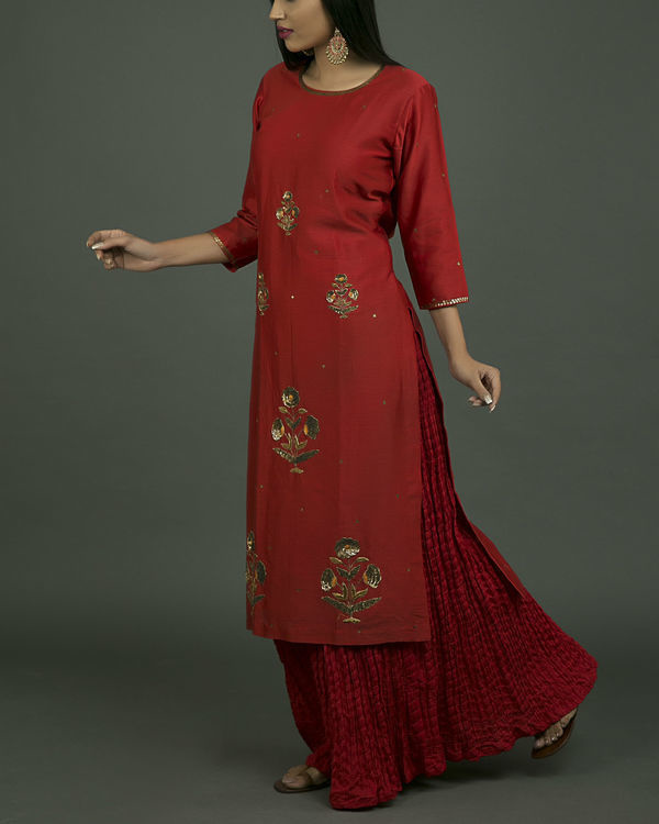 Laal ghaagra embroidered set 2