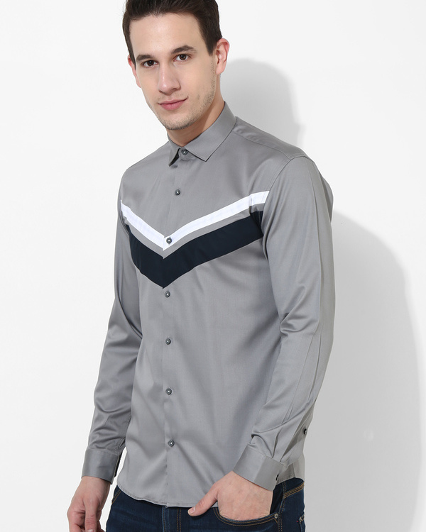 Grey trio color shirt 2